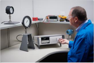 Fluke Calibration 8370A High Pressure Controller / Calibrator with CPS